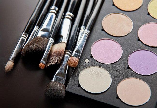 throw away old make-up