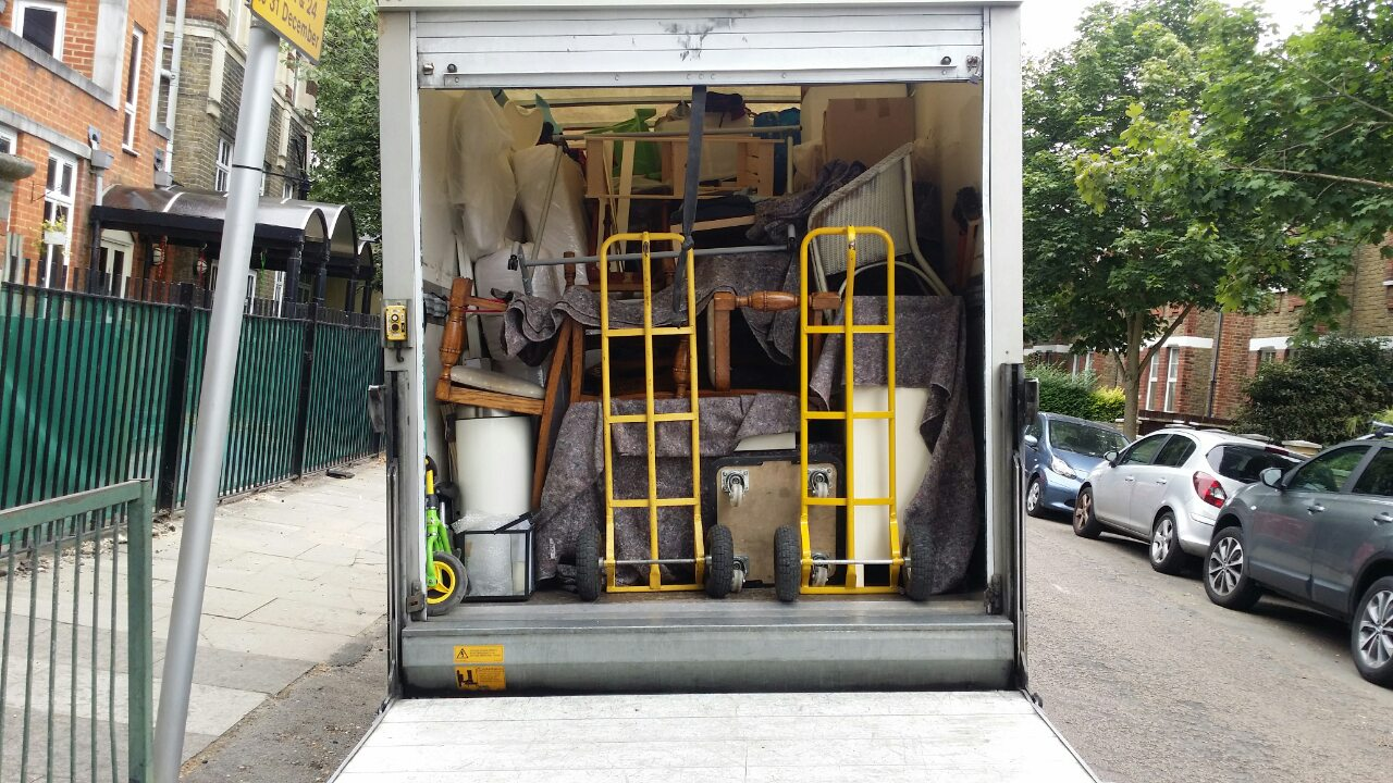 E9 removals Hackney